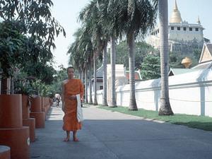 Bangkok - monnik bij Wat Saket