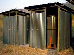 Masai Mara– wc's op de campsite